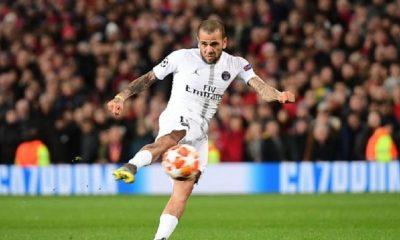"""PSG/Manchester United - Dani Alves """"Il ne faut jamais avoir peur, il faut du respect"""""""