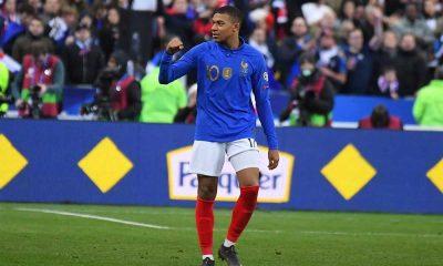 France-Islande (4-0) : Mbappé virevoltant, Kurzawa solide