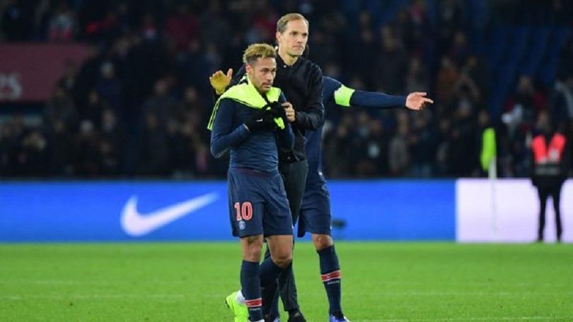 Neymar a consolé les joueurs du PSG et Tuchel après la défaite contre Manchester United, raconte RMC Sport