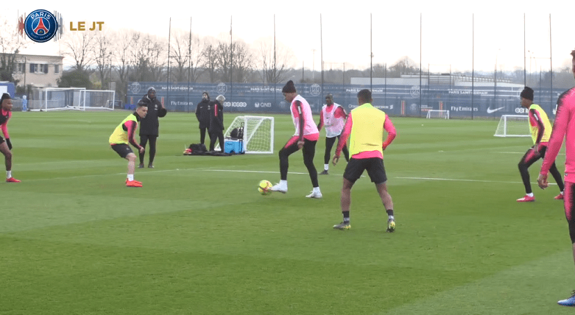 Les images du PSG ce jeudi : retour à Paris et entraînement