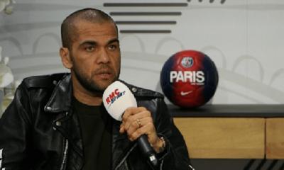 """Dani Alves fait le tour du cas de Neymar, invite Mbappé à """"comprendre"""" son niveau et fait l'éloge de Verratti"""