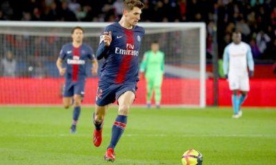 Mercato - Manchester United a surveillé Meunier toute la saison pour un transfert cet été, selon The Sun