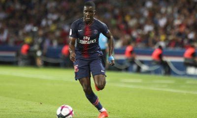 Stanley N'Soki s'est blessé avec la réserve du PSG ce samedi, indique L'Equipe