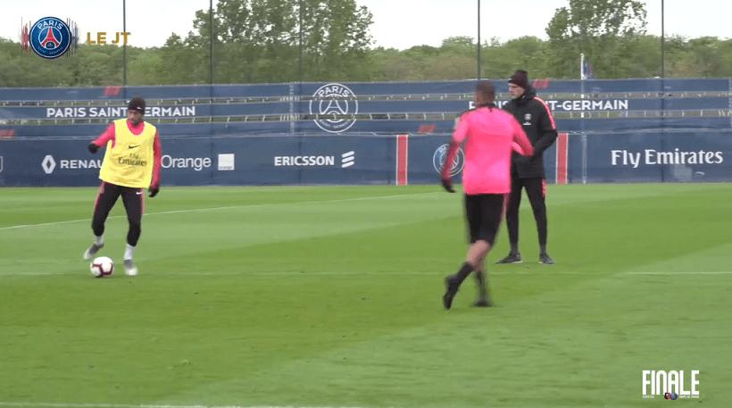 Les images du PSG ce jeudi : amour pour Paris, Neymar répare une erreur et entraînement