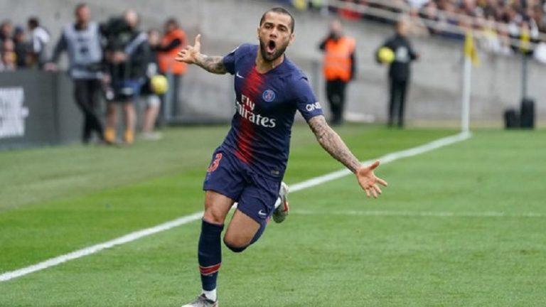 Dani Alves évoque son avenir pas forcément au PSG et celui de Neymar, qui devrait être à Paris
