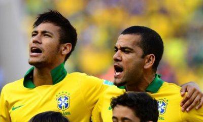 Le Brésil retire le brassard de capitaine à Neymar et le donne à Dani Alves