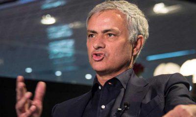 Mourinho fait savoir au PSG qu'il est disponible même s'il discute avec l'AS Rome, explique L'Equipe