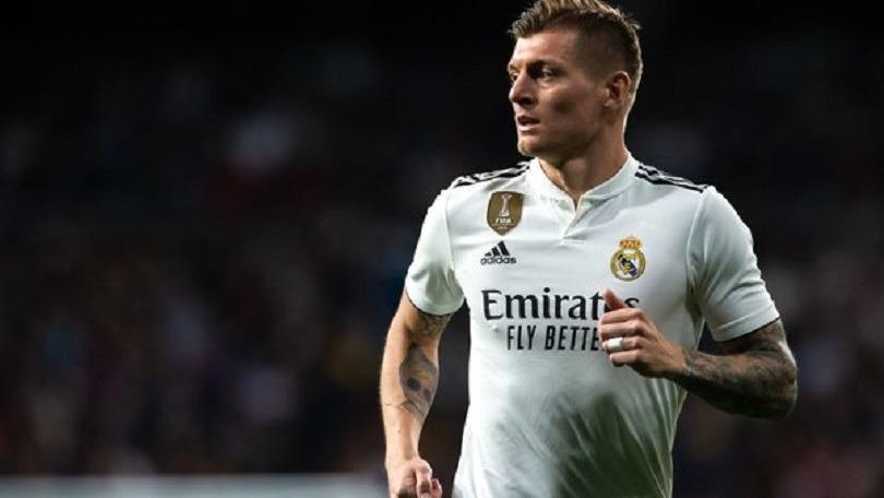 Tony Kroos, évoqué dans le viseur du PSG, a officiellement prolongé au Real Madrid