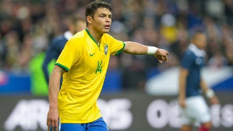 Dani Alves et Thiago Silva décisifs lors de la large victoire du Brésil contre le Honduras