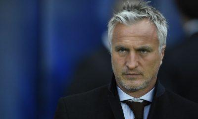 Ginola critique le manque d'anciens dans la direction du PSG et se dit prêt à y prendre une place