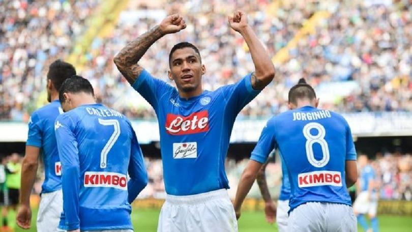 Mercato - Allan, Naples a repoussé la dernière offre du PSG et veut 100 millions d'euros selon le Corriere dello Sport