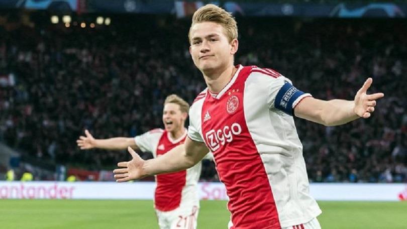 Mercato - De Ligt maintient le suspense, De Jong l'invite à le rejoindre