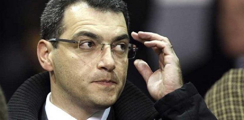 Damien Comolli explique la stratégie du PSG avec les joueurs de son centre de formation