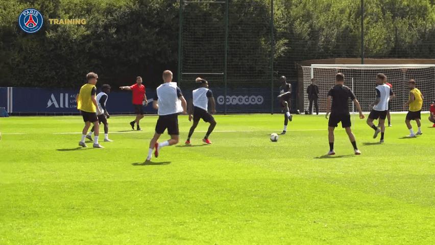 Les images du PSG ce dimanche : Fête nationale, best of de l'entraînement, Herrera et Sarabia découvrent Paris