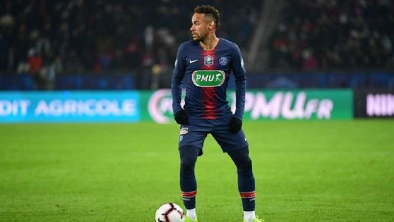 Mercato - L'Equipe «Leonardo va devoir trouver un moyen de rendre Neymar de nouveau épanoui au PSG.»