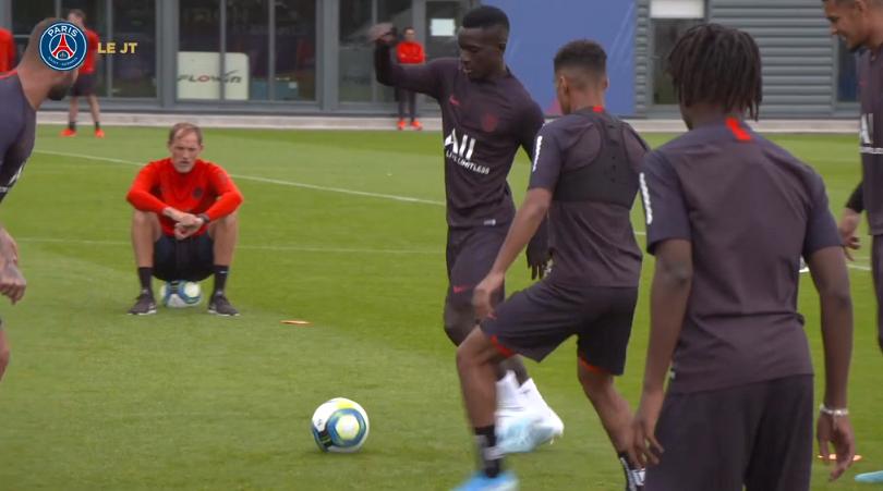 Les images du PSG ce lundi : victoire, premier entraînement de Gueye et anniversaire du club