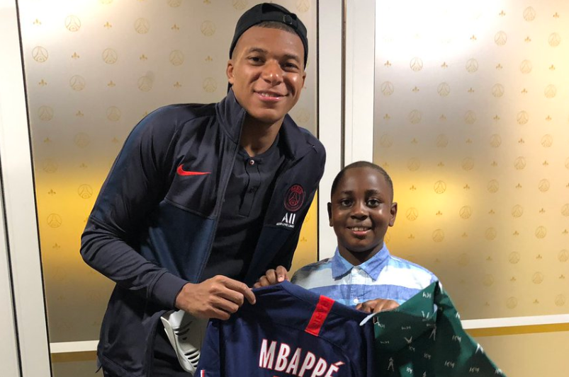 Mbappé a tenu la promesse faite à son jeune fan