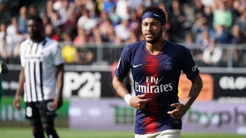 Mercato - Neymar est optimiste pour son transfert au Barça et le Real Madrid reste à l'affût, explique Sport