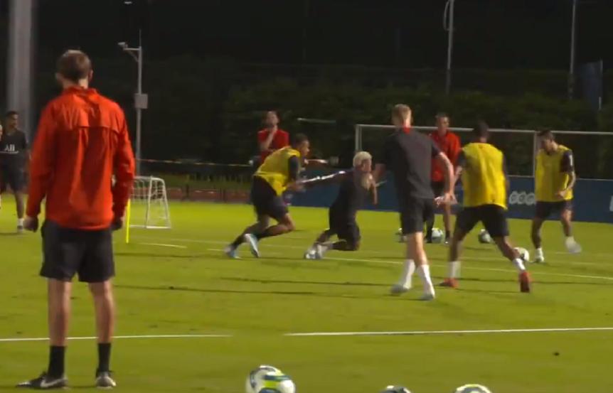 Les images du PSG ce jeudi : entraînement, vainqueurs, défi et zapping