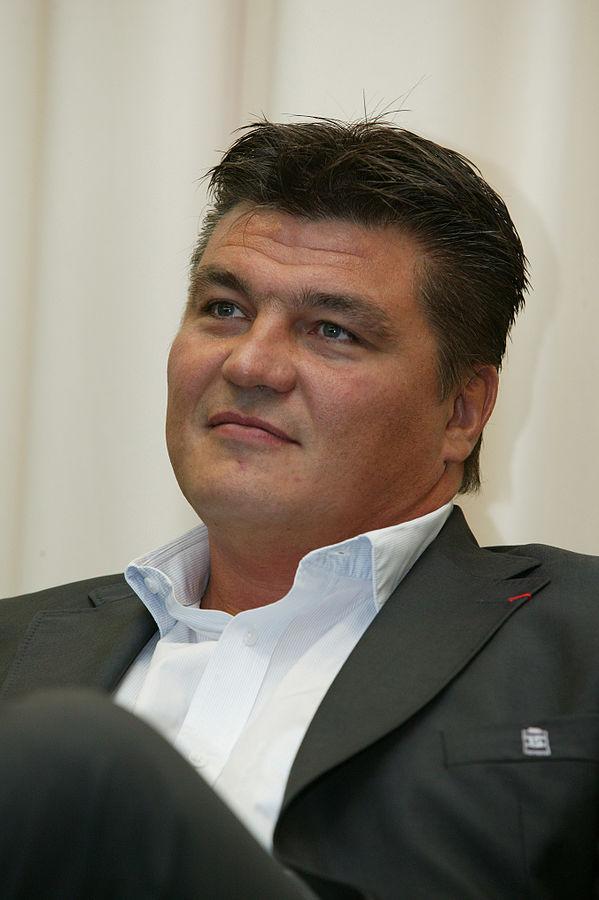 David Douillet dément ses propos relayés par L'Équipe à propos de Djamel Bouras possiblement vice-président