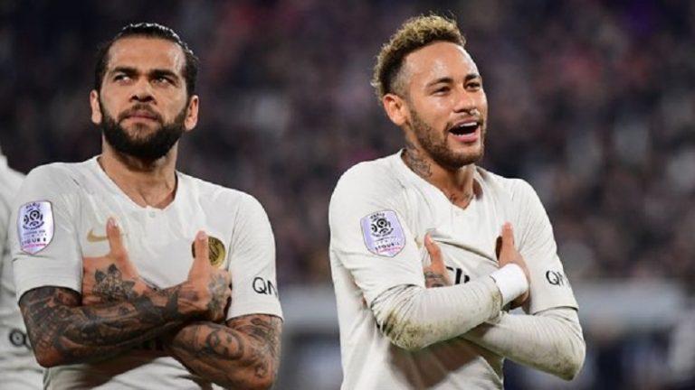Dani Alves «Neymar ? Je continue de penser que son bonheur se trouve à Barcelone»