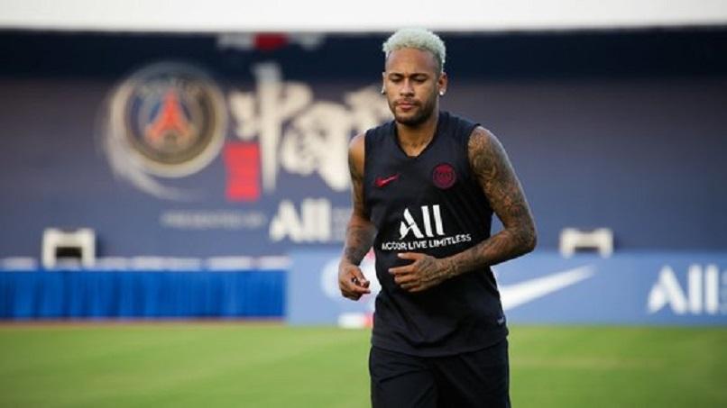 Comment Neymar doit-il être accueilli par le Parc des Princes selon vous ?