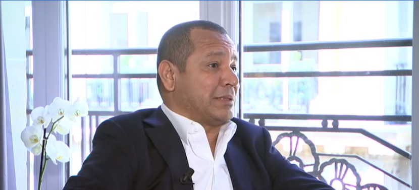 """Le père de Neymar annonce """"les négociations entre les deux clubs ne sont pas terminées"""""""