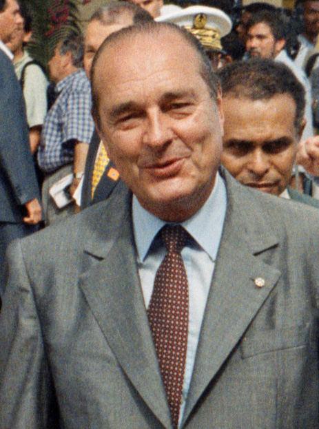 Une minute de silence avant chaque match de football ce weekend en hommage à Jacques Chirac