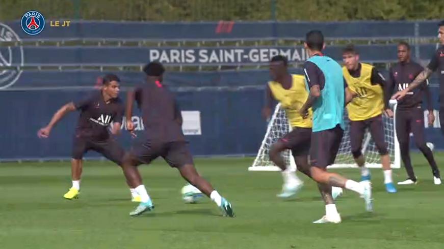 Les images du PSG ce vendredi : bizutage d'Icardi, entraînement et conférence de presse