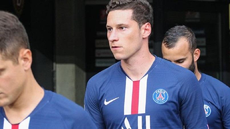 """Draxler est """"toujours heureux à Paris"""" et compte rester, indique Le Parisien"""