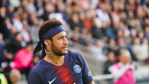 """Michel Bastos """"Neymar sait qu'il doit changer des choses...Il est concentré sur le football"""""""