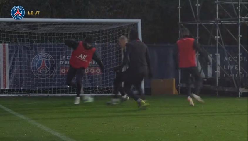 Les images du PSG ce mardi : fin de la trêve internationale, entraînement et tunique de Cavani donnée à Herrera