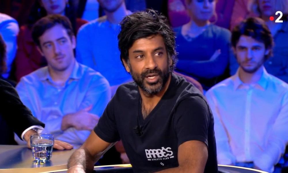 """Dhorassoo fustige que Cavani soit sur le banc: """"Il est puni...Ce n'est pas juste"""""""