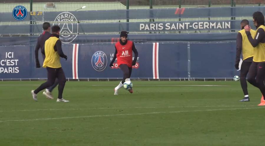 Les images du PSG ce lundi : entraînement dans le froid et Ballon d'Or