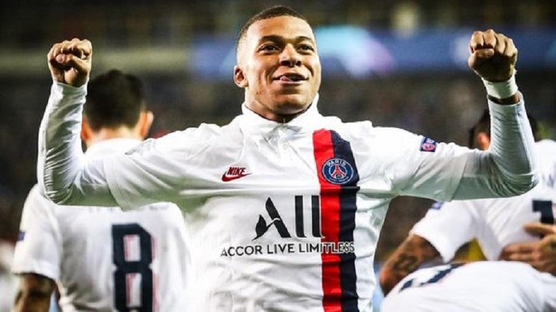 """Mbappé """"est à l'écoute pour une éventuelle prolongation avec le PSG"""", annonce Téléfoot"""