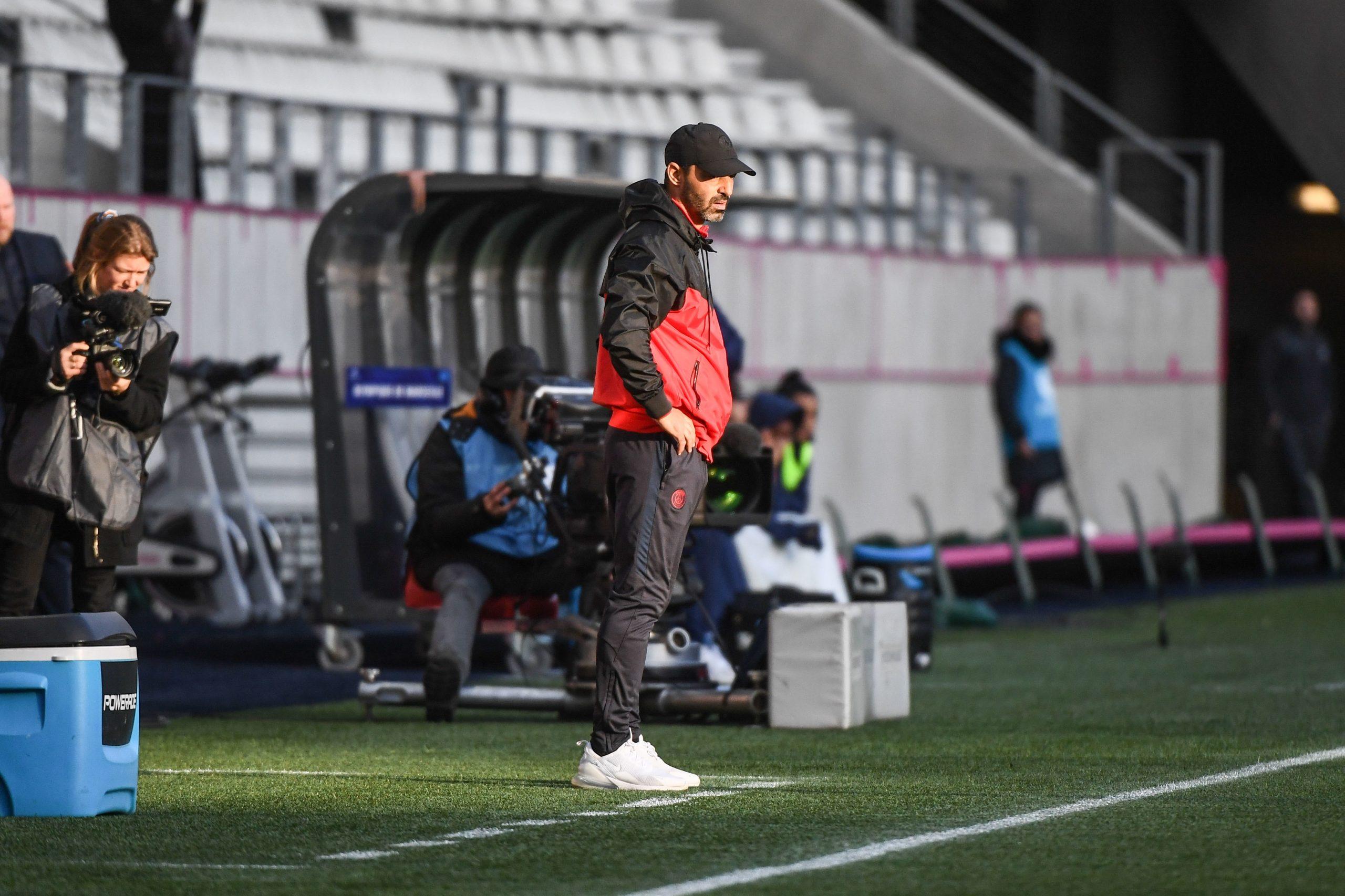 Echouafni félicite ses joueuses et remercie les supporters après la ballade du PSG face à l'OM
