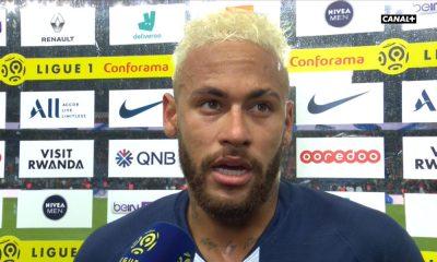 Suarez dément les propos de Piqué à propos d'un possible effort des joueurs du Barça pour le transfert de Neymar
