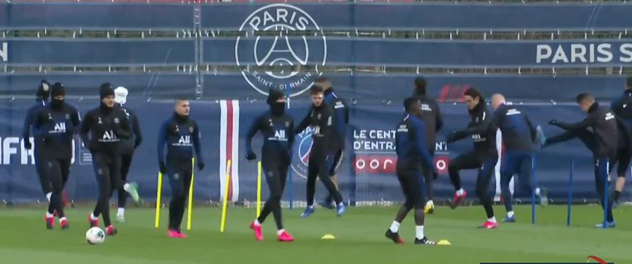 Pau/PSG - 3 absents à l'entraînement parisien mardi, Kurzawa et Cavani présents