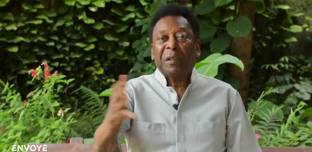 """Pelé raconte que Mbappé est venu le voir lors de son hospitalisation et le compare à un """"frère"""""""