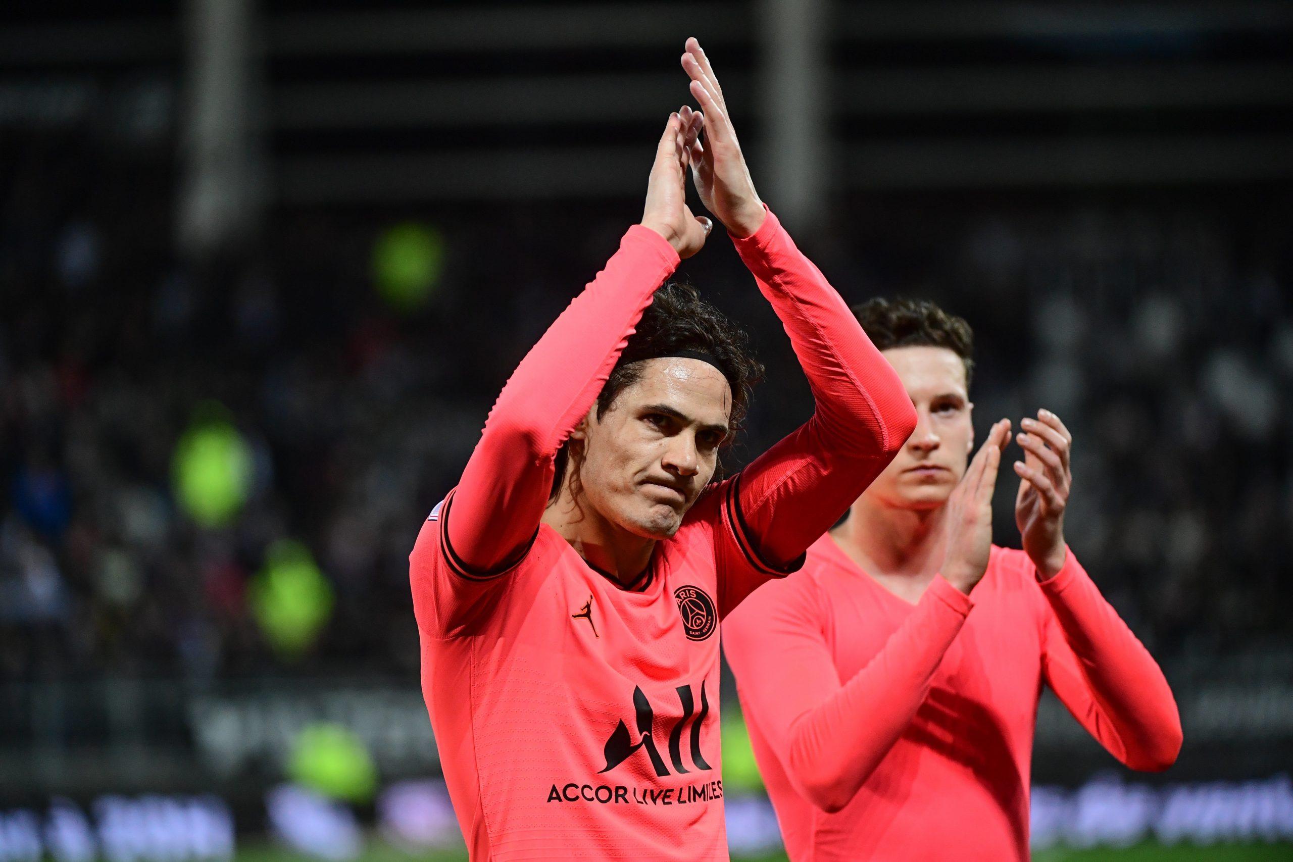 Cavani a fait un beau geste après le match nul à Amiens