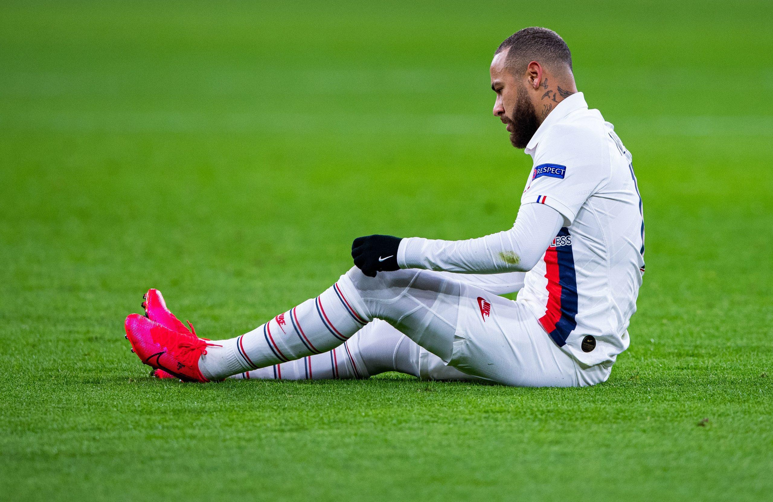 """Neymar et Tuchel ont voulu qu'il rejoue avant Dortmund, Leonardo """"a refusé"""" selon Téléfoot"""