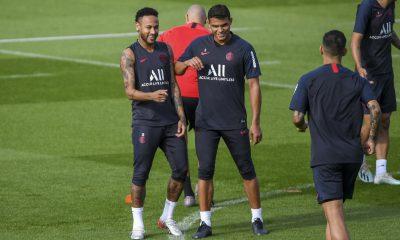 """Thiago Silva est """"sûr"""" que Neymar prêt pour jouer contre Dortmund"""