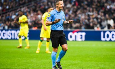Strasbourg/PSG - Les statistiques de l'arbitre : beaucoup de jaunes et des rouges en deux temps