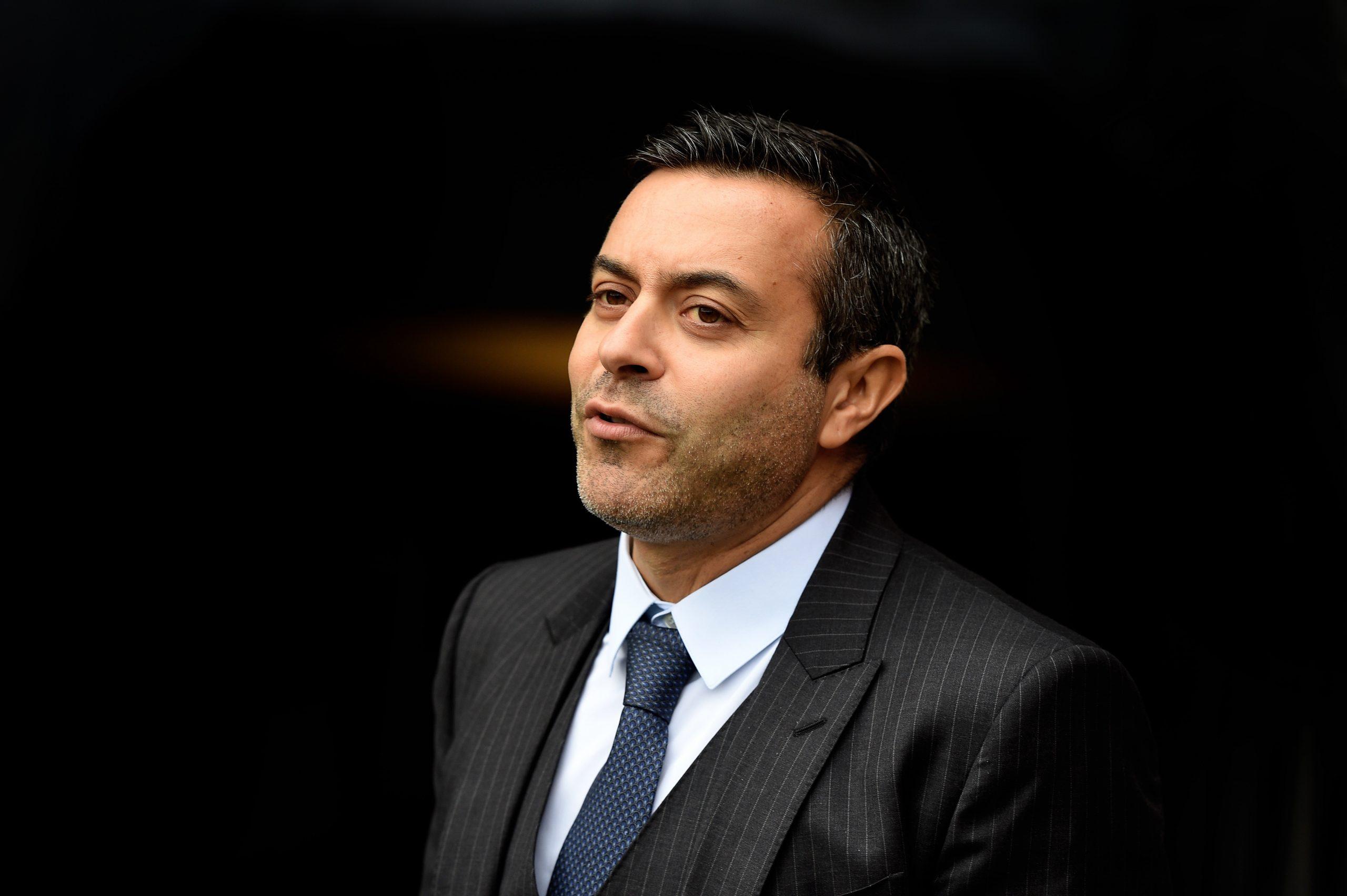 Le propriétaire de Leeds annonce qu'il a approché Cavani et Ibrahimovic l'hiver dernier
