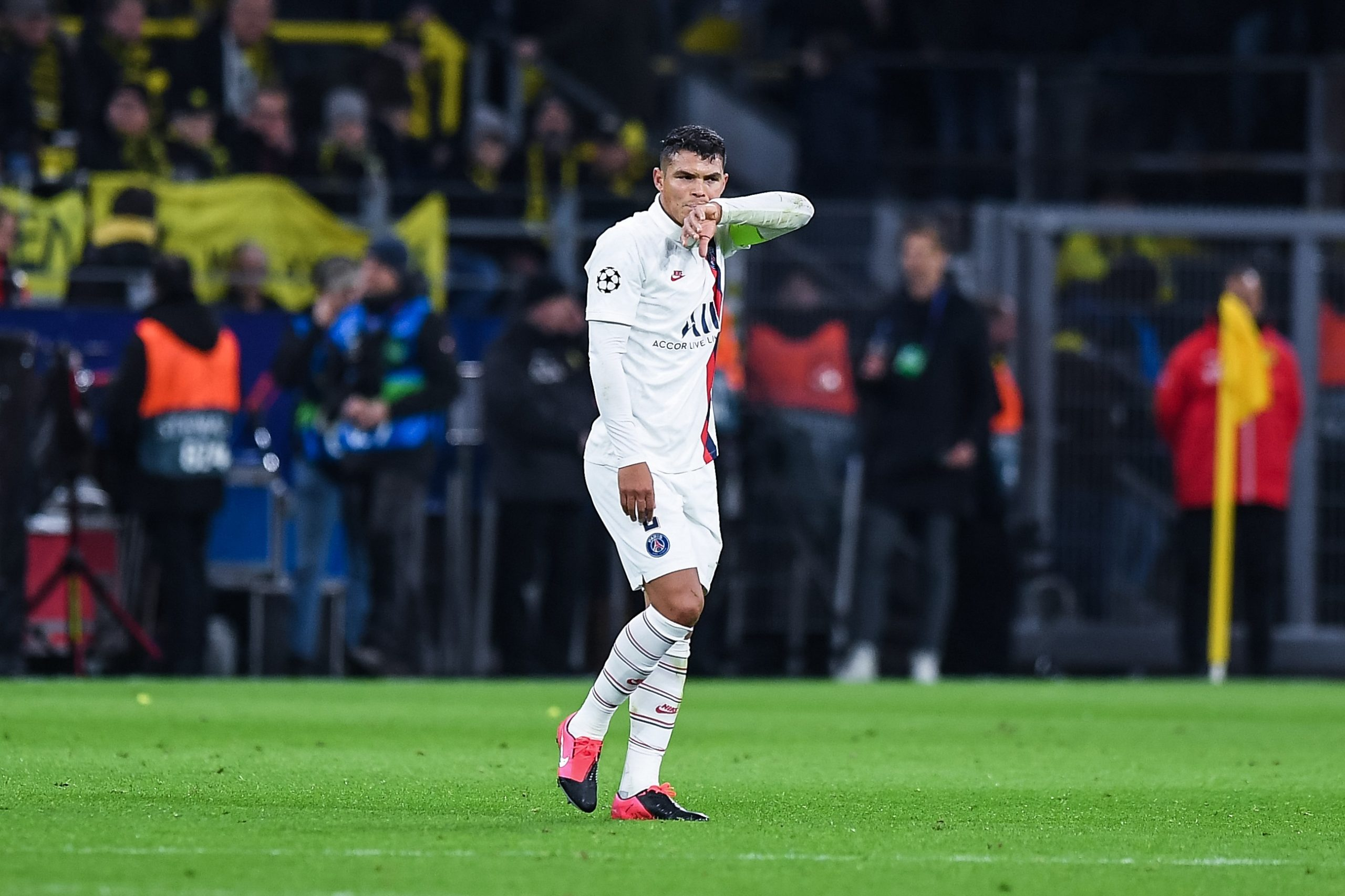 Les supporters du PSG plutôt contre la prolongation de contrat de Thiago Silva