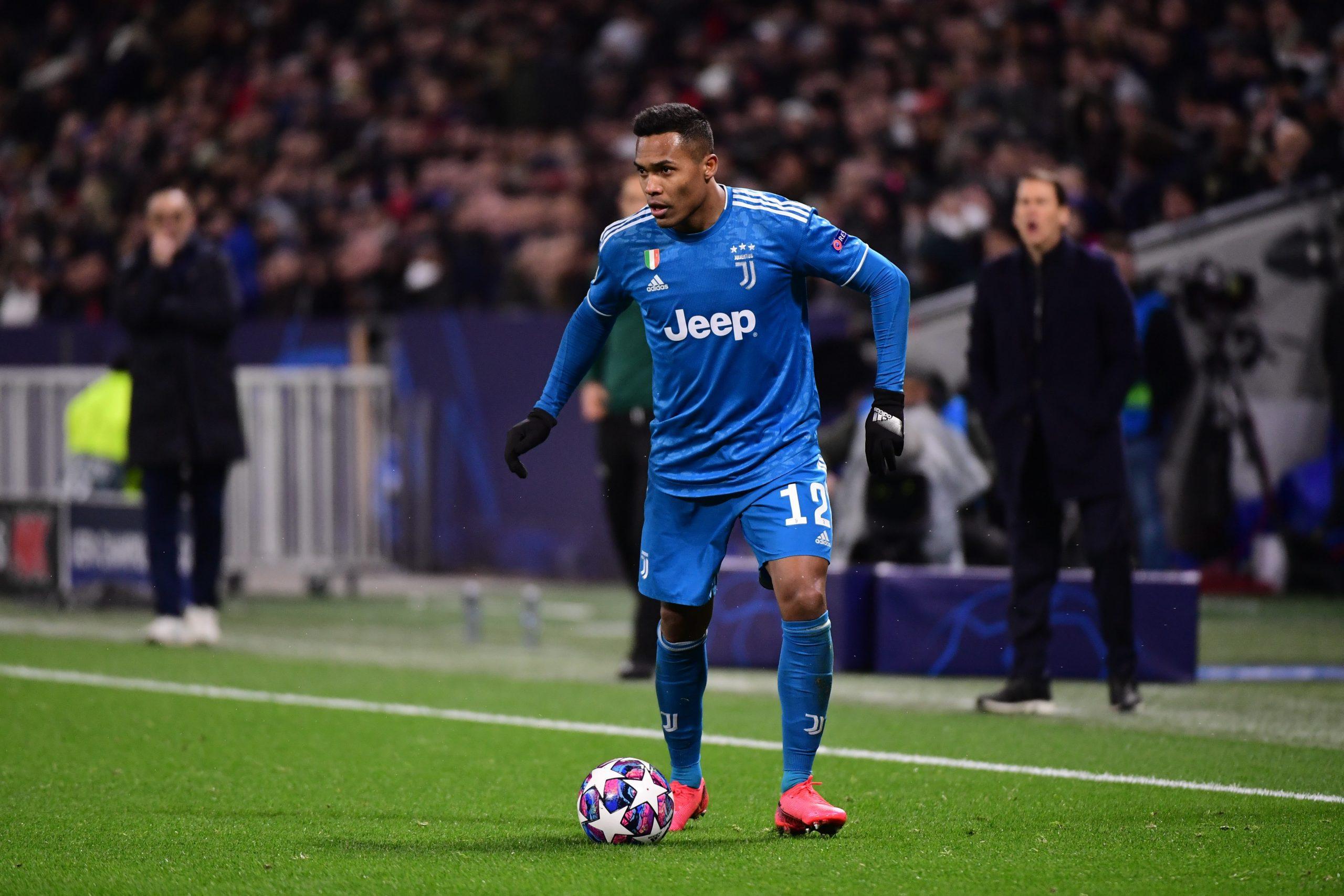 Mercato - La Juventus pourrait placer Alex Sandro dans l'échange pour Icardi