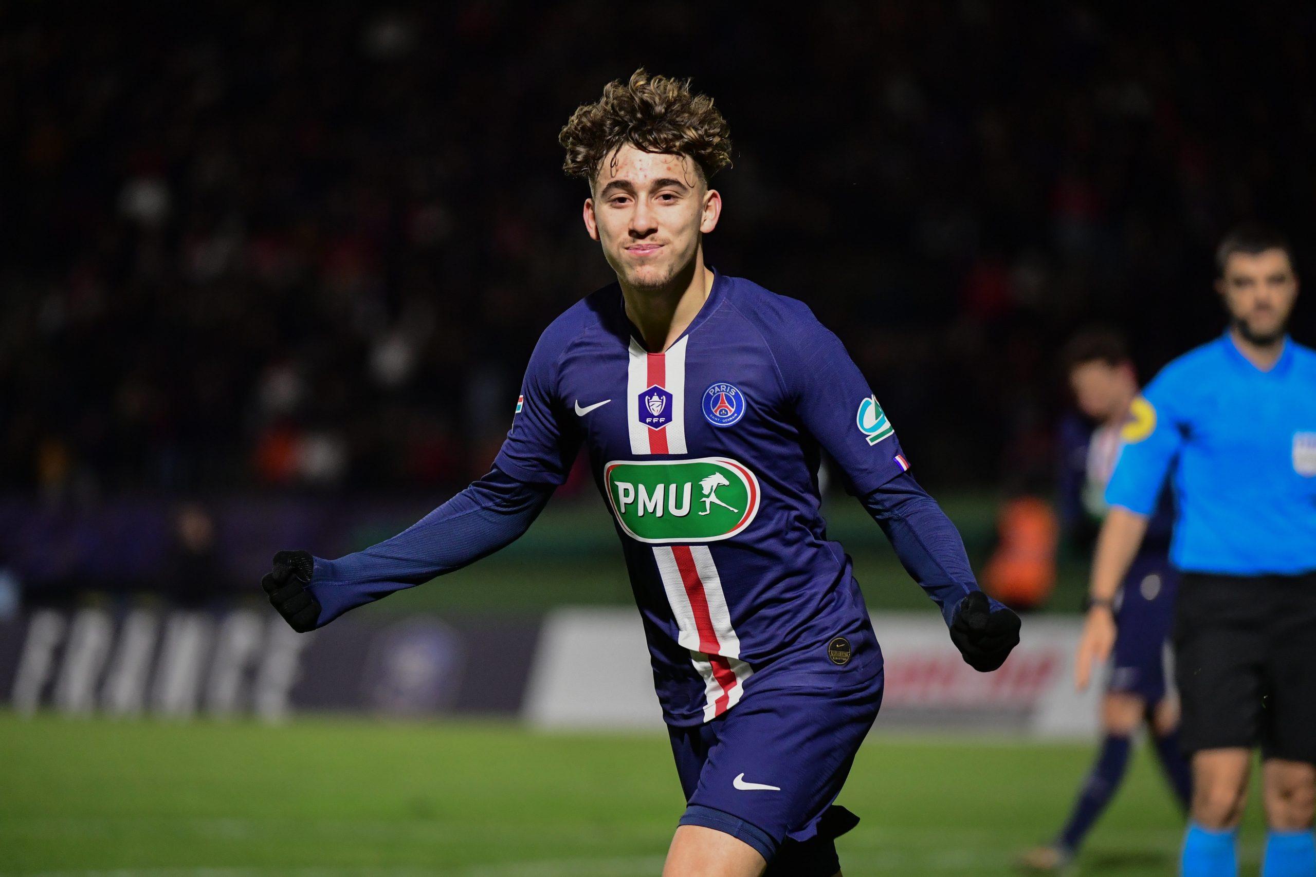 Aouchiche, les supporters du PSG espèrent qu'il va signer son premier contrat professionnel à Paris
