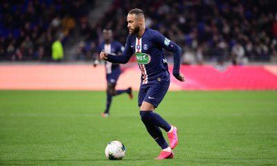 """Bertrand Latour """"Le PSG doit garder Neymar...Il y a suffisamment de stars pour s'en sortir"""""""