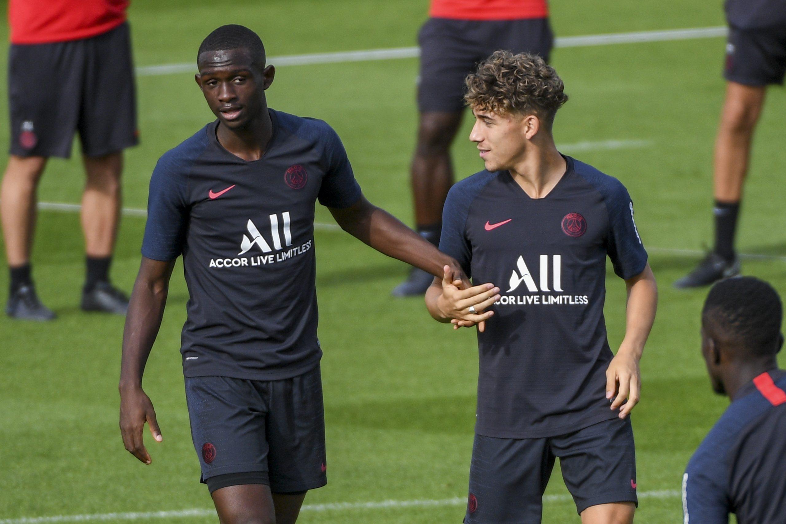 Mercato - Le Real Madrid tenté par Kouassi et Aouchiche, mais il ne vexera pas le PSG selon AS