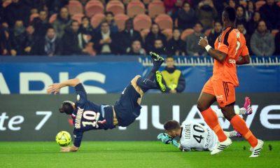 Lecomte raconte des félicitations d'Ibrahimovic après un triplé inscrit par le Suédois